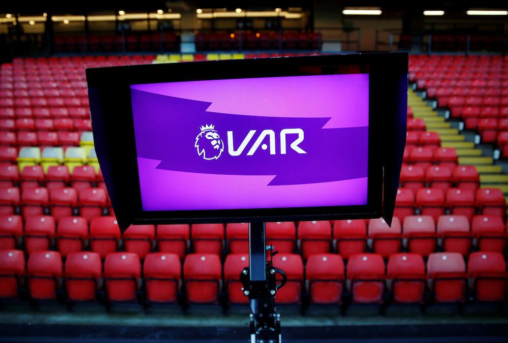 FIFA tar kontroll över VAR